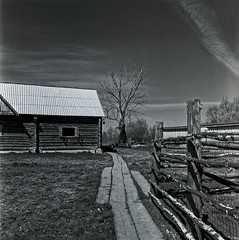 old farm (Dr. Alex O Chevtchenko) Tags: village old vintage travel kodak tmax100 processed developer d76 hasselblad 205tcc carl zeiss lens 60mm orangefilter wooden 6x6 120 square mediumformat
