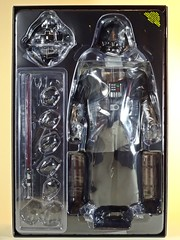 Snap Quick Unboxing  Hot Toys  MMS279  Star Wars  A New Hope  Darth Vader  Contents 1 (My Toy Museum) Tags: snap quick unboxing hot toys star wars darth vader action figure darthvader starwars hottoys