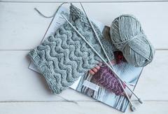 257/366: Blood, sweat and tears... (judi may) Tags: 366the2016edition 3662016 day257366 13sep16 knitting knittingneedles knittingpattern wood stilllife yarn wool pattern canon7d grey gray