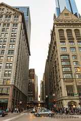 Monroe (Jawor Photography) Tags: jaworphotography chicago city downtown cityscape skyline skyscraper building bildings illinois sunset goldenhour evening cityphotography bigcity street streets monroe l thel train bustling busy architecture architectural citylife