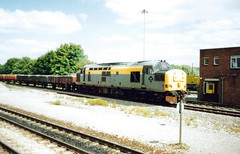 Westbury, 4th August 1992 (elkemasa) Tags: 1992 westbury class37