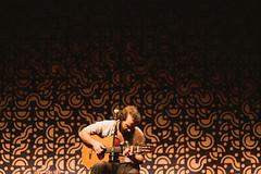 marcelo camelo (Breno Galtier) Tags: show 50mm lights guitar live e singer f18 voz marcelo athos camelo violo bulco brenogaltier