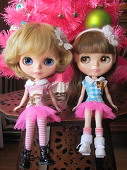 Sophie et Clmentine (Peterperle) Tags: doll spice full blythe sorbet custo cassiopeia raspeberry caromaya