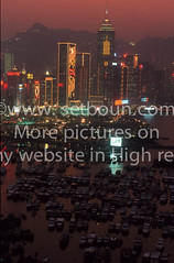 Hong kong ; A place with a view (setboun photos) Tags: china light panorama skyline architecture night landscape hongkong twilight asia cityscape view outdoor nobody nopeople lumiere asie paysage nuit vue crepuscule espace chine developingcountries viewfromabove penombre exterieur vuedenhaut grandespace reclaimedland highangleview grattesciel elevatedview entredeux urbanvista aucunepersonne largespace unrecognizableperson paysagedeville centralplazatower panoramadeville personnemeconnaissable hongkongarchtecture hongkongskyscrappers