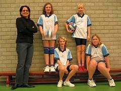 2004 Mini  2 - Tr. Erna Prenger - Roos, Danique, Daniëlle, Simone