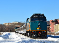 VIA 61 westbound (Michael Berry Railfan) Tags: winter cn train quebec montreal viarail sthenri canadiannational f40ph2 via6433