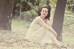Ogni cosa  pronta se anche i nostri cuori non lo sono (L e t i) Tags: primavera girl beauty rose photography spring cecilia castello lv tortona
