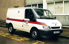 Humberside Police Ford Transit Cell Van (PFB-999) Tags: ford station gardens lights cell police cage queens transit vehicle van hull beacon unit humberside jamsandwich