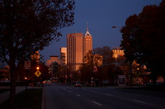 Indianapolis Skyline at Twilight (Ted Somerville) Tags: street city sunset orange sun skyline skyscraper calle twilight glow cityscape afternoon view sundown indianapolis laranja indy indiana ciudad vista rua iupui anaranjado cit hoosier naptown