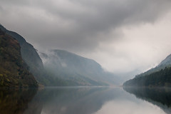 Fog over the Upper lake (Ryuu Tora) Tags: irland ireland wicklow glendalough upperlake sj lake berg mountains dimma fog spegling spegelblankt reflections mirroring reflektioner skog forrest canon 70d ef24105mmf4lisusm ryuutora