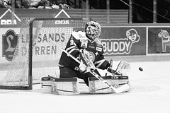 Henrik Haukeland 2016-10-01 (Michael Erhardsson) Tags: leksand lif shl 2016 mlvakt henrikhaukeland leksandsif svartvitt