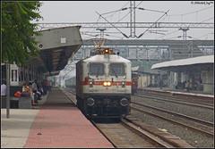 BRC WAP-7 (Abhishek Jog) Tags: brcs white hunk wap7 30466 reversing itself couple with 19324 hbjindb inter city vadodara hbj habibganj indb indore towards bpl jn junction bhopal bhopaljn hbjdhd dhdhbj dahod dahodhabibganj habibganjdahod passenger 19323 59393 59394 from