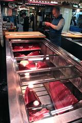 Tsukiji Fish Market | Tuna (Toni Kaarttinen) Tags: japan  japonia    jap japonsko jaapan  japani japon xapn    japn jepang an tseapin giappone  japna japonija  japo  japonska japn hapon  japonya nht bn tokyo tokio japanese tsukijifishmarket tsukiji fish market fishmarket man guy tuna