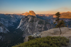 Half Dome and Other Peaks in Yosemite National Park from Glacier Point (Lee Rentz) Tags: glacierpoint america california dome granite halfdome light mountainous mountains nationalparkservice northamerica peaks sierra sierranevada sunset usa yosemite yosemitenationalpark yosemitevalley