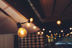 {Cozy Lights} (CaioBraga) Tags: lamp night restaurant bokeh wires interiorshots cozylights