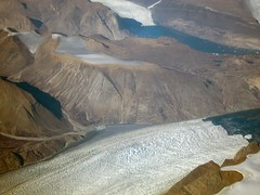 earth's ice chest (Riex) Tags: mountain ice montagne landscape glacier greenland icy paysage aerialphotography birdseyeview glace groenland s95 photographieaerienne avoldoiseau canonpowershots95