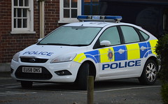 Essex Police - Ford Focus Incident Response Vehicle (EU58 ONS) (Chris' 999 Pics) Tags: old uk blue light england woman man speed lights bill pc nikon bars order cops united nick blues kingdom cop copper and service law enforcement breakers emergency 112 siren coppers arrest policeman 999 constable 991 twos strobes policing lightbars d3200 rotators leds