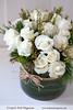 Elegant Holiday Design (Scrumptious Venus) Tags: white elegant floraldesign princesspine lespritsudmagazine vasedesign akitoroses holidaysdesign wwwlespritsudmagazinecom