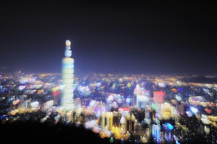 2013-new-year-taipei-101-fireworks