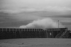 Itsaso Zakarra (Lanpernas 2.0) Tags: beach playa donosti plage olas temporal donostia zurriola hondartza olatuak
