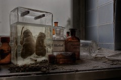 Dr.R.Eckthal (last-light.new) Tags: abandoned hospital lost sony patient doctor urbanexploration sanatorium psychiatrie hdr drogen urbex praxis pathologist arzt aspergillus lostplace urbanexplorer prparat lobotomie pathologe nex5n drannal