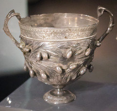 IMG_0069 (jaglazier) Tags: 1stcentury 1stcenturyad 2016 72316 campania copyright2016jamesaglazier garlands imperial italy july museoarcheologiconazionale museoarcheologiconazionaledinapoli naples napoli national nationalarchaeologicalmuseum nazionale olives roman silver archaeology art crafts floral metalworking olivebranch relied reliefs wreaths