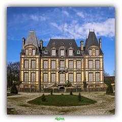 ChTEAU DE LA PUISAYE  VERNEUIL-SUR-AVRE (rgisa) Tags: chteau castle kasteel puisaye eure avre verneuil