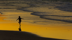 Dancing on the beach (Masa_N) Tags: byronbay girl winter beach reflection sand water australia newsouthwales evening sea dusk  au