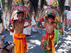 Procession de la desse Sri- Kalikaambai en compagnie du dieu Murugan (thierrymasson94) Tags: processiondeladessesrikalikaambaiencompagniedudieumurugan procession murugan hindouisme paris france garons