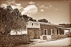 Formentera (Arnzazu Vel) Tags: formentera sepia casolare casadecampo cottage countryside baleares espaa