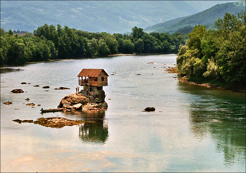 Summer house in the middle of Drina River -