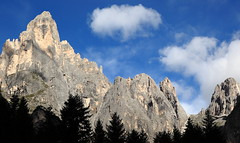 Dolomiti della Val Canali (Dancing Flowers by Gio') Tags: gio trentino tonadico valcanali dolomiti gruppopaledisanmartino cantdelgal italia italie italy italien nuvole cime