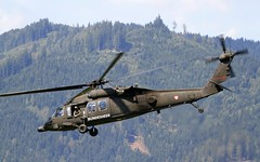 "Sikorsky S-70A-42 ""Blackhawk"" @ LOXZ (stecker.rene) Tags: sikorsky s70 s70a42 uh60 blackhawk helicopter military rotorcraft forest hill loxz zeltweg hinterstoisser afb airbase airforce austrianairforce austria 6mbb transport österreich bundesheer aerialdisplay flyingdisplay airshow airpower airpower16 airpower2016 flugshow fliegerregiment1 langenlebarn loxt canon eos7d tamron 150600mm"