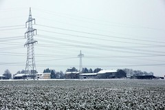 e-farm (sramses177) Tags: winter snow germany landscape power feld explore powerline acker strommasten stromleitung berlandleitung starkstrom masten maichingen