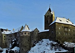 Burg Loket - Tschechische Republik (fleckchen) Tags: schnee winter tower castle berg towers himmel tschechien berge stadt czechrepublic stdte trme loket burg winterlandschaft schneelandschaft sehenswrdigkeiten elbogen burgtrme burgloket tschechiescherepublik egerellenbogen loketerburg elbogenerburg