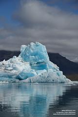 shs_n8_006213 (Stefnisson) Tags: ice berg landscape iceland glacier iceberg gletscher glaciar ísland icebergs jokulsarlon breen jökulsárlón ghiacciaio jaki vatnajökull jökull jakar ís gletsjer lón 氷河 glaciär ísjaki ísjakar stefnisson