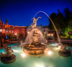 "Roger Rabbit Fountain - Toontown - Disneyland (Explored) • <a style=""font-size:0.8em;"" href=""http://www.flickr.com/photos/85864407@N08/8296033562/"" target=""_blank"">View on Flickr</a>"