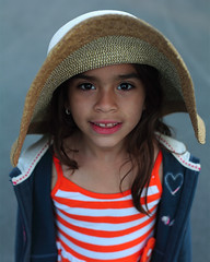 Daniela (Eric Dupuis) Tags: canada girl smile hat photography photo eric artist foto photographer photographie child quebec montreal may mai chapeau sonrisa sombrero fotografia 13 enfant fille sourire 2012 artista fotografo artiste photographe dupuis filette ericdupuis ricdupuis