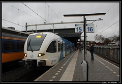 20121223 E-GTW 416, Zwolle (Bert Hollander) Tags: station blauw zl prima wit bewolkt trein zwolle gtw 10416 nieuw arriva 416 stel sneltrein stadler debuut egtw bert13 spoor15 3831szlemn