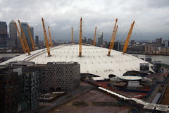 Looking down on the O2 Arena (Vaughanoblapski!) Tags: london greenwich north o2 arena airway emirites