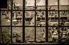 (Erik Janssen - street photography) Tags: street broken window glass rue fenêtre shards glas raam verre straat scherven cassé éclats kapot