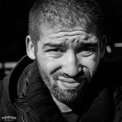 I - 2S - AM (mptqm) Tags: portrait noir ride lumire bordeaux terrasse olympus grimace blanc omd visage 25mm m43 comdien em5 mptqm