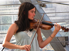 Violin (The memory of tree) Tags: music wind song viento musica notas palabras letras sonidos girlviolin marcosanmartin