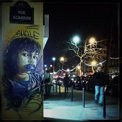 nightcall at Le Bistrot Populaire (clok_moitie) Tags: streetart paris candid streetphotography candids mobilephotography iphonography iphoneography clokmoitie