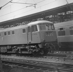 E3006 at Crewe Station, 15th June 1963. (Dave Wragg) Tags: electric bobo railway loco crewe locomotive aei typea 81005 class81 e3006