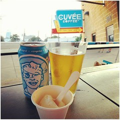 Congratulations 2 years @cuveecoffee! That Black and Blue  #coffeefix #atxcoffee #dabeers (kalebdf) Tags: instagramapp square squareformat iphoneography uploaded:by=instagram rise