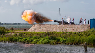 Old cannons firing demonstration