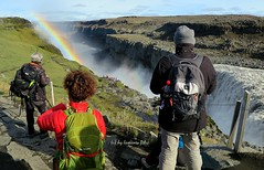 Cascada Dettifoss-El caudal que se precipitan al vaco 500 m3 por segundo (o si se prefiere, 500 toneladas de agua por segundo) Islandia. (lameato feliz) Tags: cascada arcoiris can agua dettifoss jkulsrgljfur islandia jkulsfjllum