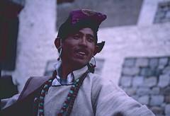 Ladakh 2005 (patrikmloeff) Tags: indien india inde indian indisch asien asia asie asian asiatisch erde earth terre monde world welt ferien urlaub vacances holiday holidays beautiful buddhismus buddism ladakh leh analog analogue minolta sommer summer eté littletibet travel traveling reise reisen voyage people menschen mensch gens dance tanz dancer mann man homme