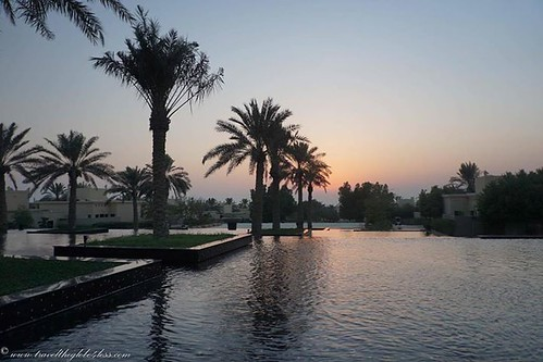 A beautiful sunset at the Al Areen Palace in #Manama #Bahrain #Travel #Travelblogger http://ift.tt/2cp8sXn